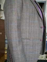 Продаю БОМБЕЗНЫЙ легкий шерстяной пиджак DI PIERRO