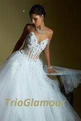 Свадебные платья и аксессуары в Донецке