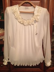 Продам блузу праздничную