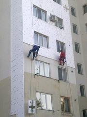 Наружное утепление фасадов. Услуги альпинистов.
