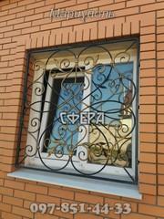Металлические оконные решетки,  изготовление и установка решеток на окна,  художественная ковка под заказ.